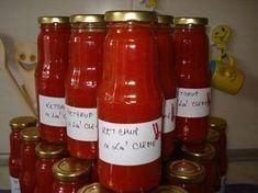 Reteta culinara Ketchup picant ''a la` Cleme'' din categoria Sosuri. Cum sa faci Ketchup picant ''a la` Cleme'' Ketchup, Pickling Cucumbers, Hot Sauce Bottles, Pickles, Cookie Recipes, Vegetarian Recipes, Diy And Crafts, Keto, Jar