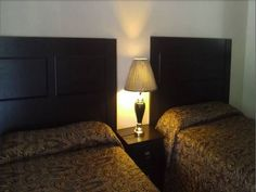 Junction Inn Centreville (Iowa) Featuring free WiFi, Junction Inn offers pet-friendly accommodation in Centerville. Guests can enjoy the on-site bar. Private parking is available on site.  Each room at this motel is air conditioned and features a flat-screen TV with cable channels.