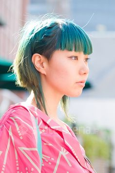 Nippon: Street style Japan / Two-tone turquoise chucky layered bob with bangs in Harajuku, Tokyo
