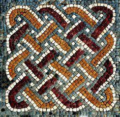 Pormenor em mosaico. Cubiculum. Casa da Cruz Suástica. 2° metade so séc. III.