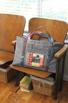 Live a Colorful Life, sewing circle bag pattern by Elizabeth Hartman