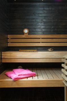 Villa Olivia - sauna | Asuntomessut Jacuzzi Room, Sauna Ideas, Sauna Design, Outdoor Sauna, Finnish Sauna, Sauna Room, Spa Rooms, Bathroom Renos, Prefab