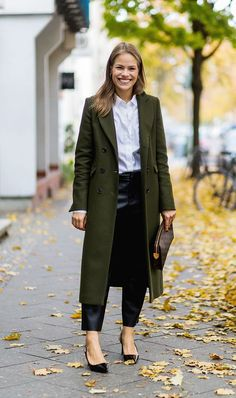 Solved: What to Wear to a Work Conference via @WhoWhatWear