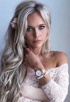 Summer beach blonde hair color : the ultimate blonde hair co Haircuts For Long Hair With Layers, Long Layered Haircuts, Long Hair Cuts, Straight Hairstyles, Summer Haircuts, Layered Hairstyles, Modern Haircuts, Short Haircuts, Beach Blonde Hair