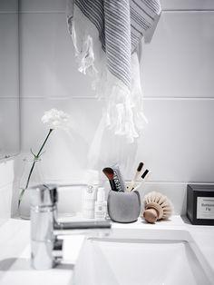 Bathroom: Bathroom styling with Soak & Sleep by at{Laura Seppänen} Diy Bathroom Decor, Bathroom Styling, Bathroom Interior Design, Bathroom Colors, Home Interior, Modern Bathroom, Nature Bathroom, Paris Bathroom, Lowes Bathroom