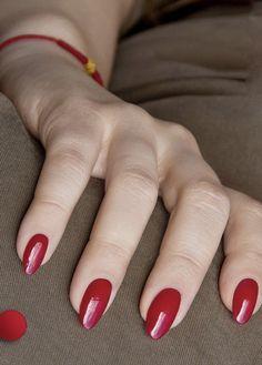 paznokcie hybrydowe czerwone