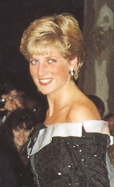 Diana, Princess of Wales, attends a concert at the Royal Opera House in Covent Garden on February 13, 1991 in London