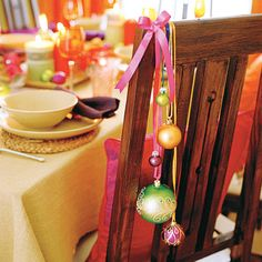 chair table centerpieces | ... touch to your table with these easy Christmas table decorations