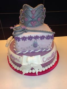 Lilac Princess Cake, with crown and scepter: 2 levels filled with vanilla cream and strawberries and nutella cream....only for real princess....