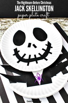 This easy Jack Skellington Craft for Kids is a must if your family loves The Nightmare Before Christmas movie! You'll only need a few supplies, such as paper plates, construction paper, and glue. halloween crafts for kids Halloween Arts And Crafts, Halloween Activities, Halloween Projects, Halloween Themes, Halloween Diy, Preschool Halloween, Halloween Sweets, Jack Skellington, Christmas Art For Kids