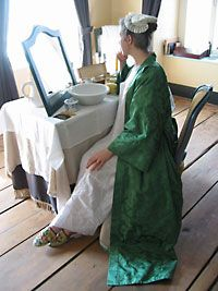 A lady's robe de chambre in Nouvelle-France, c. 1750. A reproduction garment made from material that can also be purchased at this site.