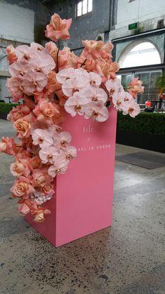 Flower Art Installation Nature 19 New Ideas Floral Centerpieces, Floral Arrangements, Floral Wedding, Wedding Flowers, Wedding Signage, Arte Floral, Event Design, Event Planning Design, Flower Art
