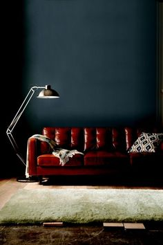 Tips That Help You Get The Best Leather Sofa Deal. Leather sofas and leather couch sets are available in a diversity of colors and styles. A leather couch is the ideal way to improve a space's design and th Red Leather Couches, Red Sofa, Leather Sectional, Sectional Sofas, Leather Furniture, Best Interior Design, Decoration, Living Room Furniture, Living Room Designs