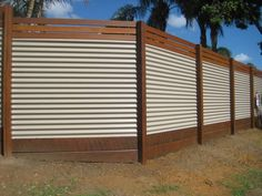 8 Jaw-Dropping Useful Ideas: Iron Fence Spaces natural fence building.Front Fence Design modern fence with planters. Vine Fence, Lattice Fence, Front Yard Fence, Farm Fence, Fenced In Yard, Horse Fence, Fence Art, Fence Landscaping, Backyard Fences