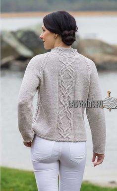 Вязаный спицами свитер реглан с аранами (косами) и ажуром, описание