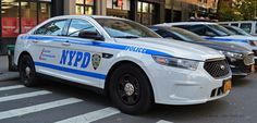 Unit 4052 - Strategic Response Group 1 - NYPD - New York - 2014 Ford Interceptor - Slicktop Old Police Cars, Police Truck, Ford Police, State Police, Police Officer, Radios, Blue Line Police, Texas Department, New York Police