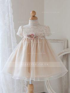 Cute Short sleeves Lace&Organza Baby Dresses with Bowknot Ribbon