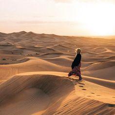 gypsea_lustLast light over those desert dunes ☼ Desert Aesthetic, Witch Aesthetic, Lauren Bullen, Karin Uzumaki, Desert Dream, Hottest Photos, Travel Pictures, The Magicians, Dune