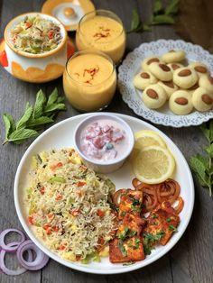 Paneer Recipes, Veg Recipes, Spicy Recipes, Curry Recipes, Indian Food Recipes, Vegetarian Recipes, Cooking Recipes, Desi Food, Indian Street Food