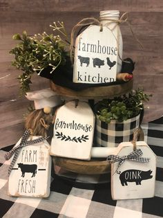 Kitchen tray decor - Farmhouse tiered tray decor Kitchen Farmhouse tier tray signs Black and white buffalo plaid kitchen decor Country farmhouse decor Pig Cow – Kitchen tray decor Country Farmhouse Decor, Farmhouse Kitchen Decor, Farmhouse Style, Vintage Farmhouse Décor, Modern Farmhouse, Farmhouse Cafe, Cow Kitchen Decor, Farmhouse Kitchen Signs, Primitive Country