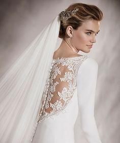 Pronovias > ANABEL - Vestido de novia silueta evasé, corte A y escote en barco