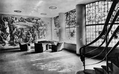 KRO Studio - De hal met muurschildering van Charles Eyck en de ramen van Joep Nicolas