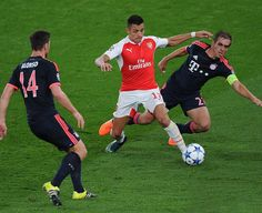 "Football • Soccer • Futbol • auf Instagram: ""#BayernMunich vs #Arsenal ! • Who you got? #UCL #futbolsport"""