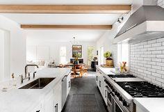 Inspiring white interiors in Hamptons   PUFIK. Beautiful Interiors. Online Magazine