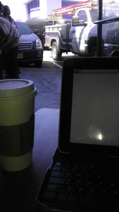 Warm spring day in San Francisco! Starbucks on Portola wide open. Awesome breeze, writing time!
