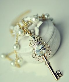 key pearl sweet lovely necklace