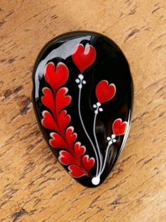 Easy Paint Rock For Try at Home (Stone Art & Rock Painting Rock Painting Patterns, Rock Painting Ideas Easy, Rock Painting Designs, Paint Designs, Pebble Painting, Dot Painting, Pebble Art, Stone Painting, Painting Flowers