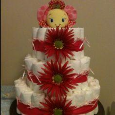 Simple sweet diaper cake #diaper cakes