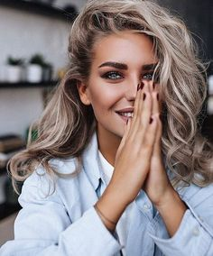 35 make up idea for work style Simple and practical daily work makeup Foto Portrait, Self Portrait Photography, Photography Poses Women, Beauty Photography, Fashion Photography, Beige Blonde, Blonde Hair, Honey Hair, Hair Studio