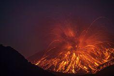 Epic Pictures of the Sakurajima Volcano Erupting in Japan volcano 6