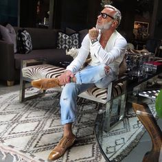 Mens Fashion Casual – The World of Mens Fashion Stylish Men, Men Casual, Older Mens Fashion, Moda Formal, Men With Grey Hair, Casual Outfits, Fashion Outfits, Men's Fashion, Herren Outfit