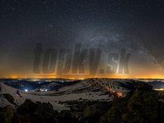 WASHINGTON/NÍZKE TATRY - Slovenský fotograf Ondrej Králik zachytil neobyčajne úchvatný panoramatický pohľad na hory a nočnú oblohu. Záber z konca marca je taký krásny, že si ho americká NASA zvolila za astronomický obrázok dňa a zverejnila ho na svojej stránke. Nasa, Northern Lights, Washington, Nature, Travel, Naturaleza, Viajes, Destinations, Nordic Lights
