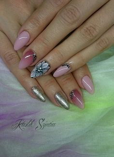 Ombre nials with 3D flower
