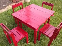 DIY Pallet Table and #Chairs Set | 99 Pallets   #followback  www.facebook.com/socmedassist