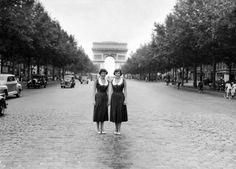 What did Parisian girls look like in the 1950s? Just check out these snapshots to see.