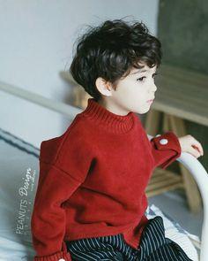 Cooper Jian Lunde Cute Little Boys, Cute Baby Boy, Cute Boys, Cute Babies, Black Kids Fashion, Toddler Boy Fashion, Cute Kids Fashion, Korean Babies, Asian Babies