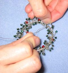 How to make a wreath ornament