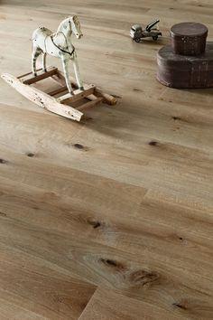 Oak parquet Vintage SUOMU nature like color, authentic wooden flooring outlook. www.