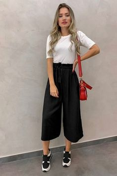 7 fashion pants for women that serve as anti-skinny jeans, ., - - 7 fashion pants for women that serve as anti-skinny jeans, Source by 30 Outfits, Mode Outfits, Cute Casual Outfits, Stylish Outfits, Spring Outfits, Outfits Mujer, Winter Outfits, Party Outfits, Ootd Spring
