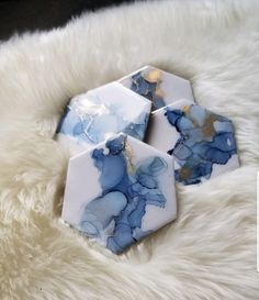 Alcohol Ink Tiles, Alcohol Ink Glass, Alcohol Ink Crafts, Alcohol Ink Painting, Alcohol Ink Jewelry, Alcohol Inks, Diy Resin Art, Diy Resin Crafts, Diy Arts And Crafts