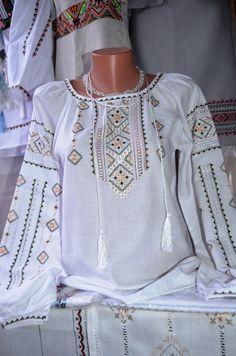 Купити вишиванку - Вишиті сорочки, Чоловічі вишиванки, Жіночі вишиванки, Дитячі