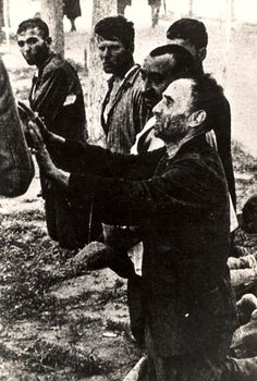 People prior to their execution by Germans.