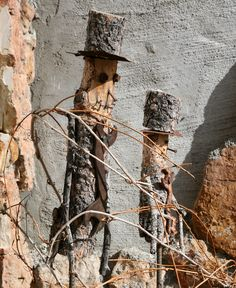 ::Bark Scarecrows N Rust:: Fall Scarecrows, Halloween Scarecrow, Holidays Halloween, Halloween Decorations, Log Projects, Primitive Pumpkin, Wood Scraps, Garden Living, Garden Items