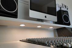 DIY fully custom built Studio Desk - B&W - Gearslutz.com