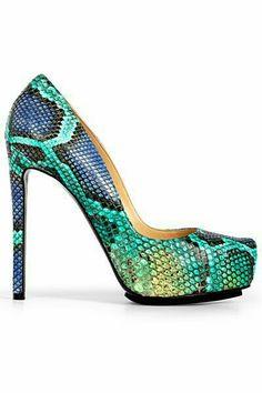 Preciosos zapatos pitón multicolor.
