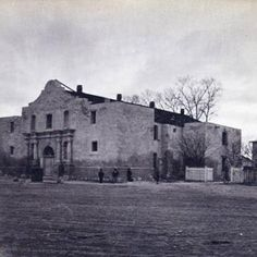 The Alamo in San Antonio, Texas, circa My fictional nineteenth-century photographer, Jeb Inscore, would have taken similar photos of the former mission and historical garrison. Alamo San Antonio, Texas Revolution, Old West Photos, Only In Texas, Republic Of Texas, Loving Texas, Texas History, Texas Travel, Famous Places